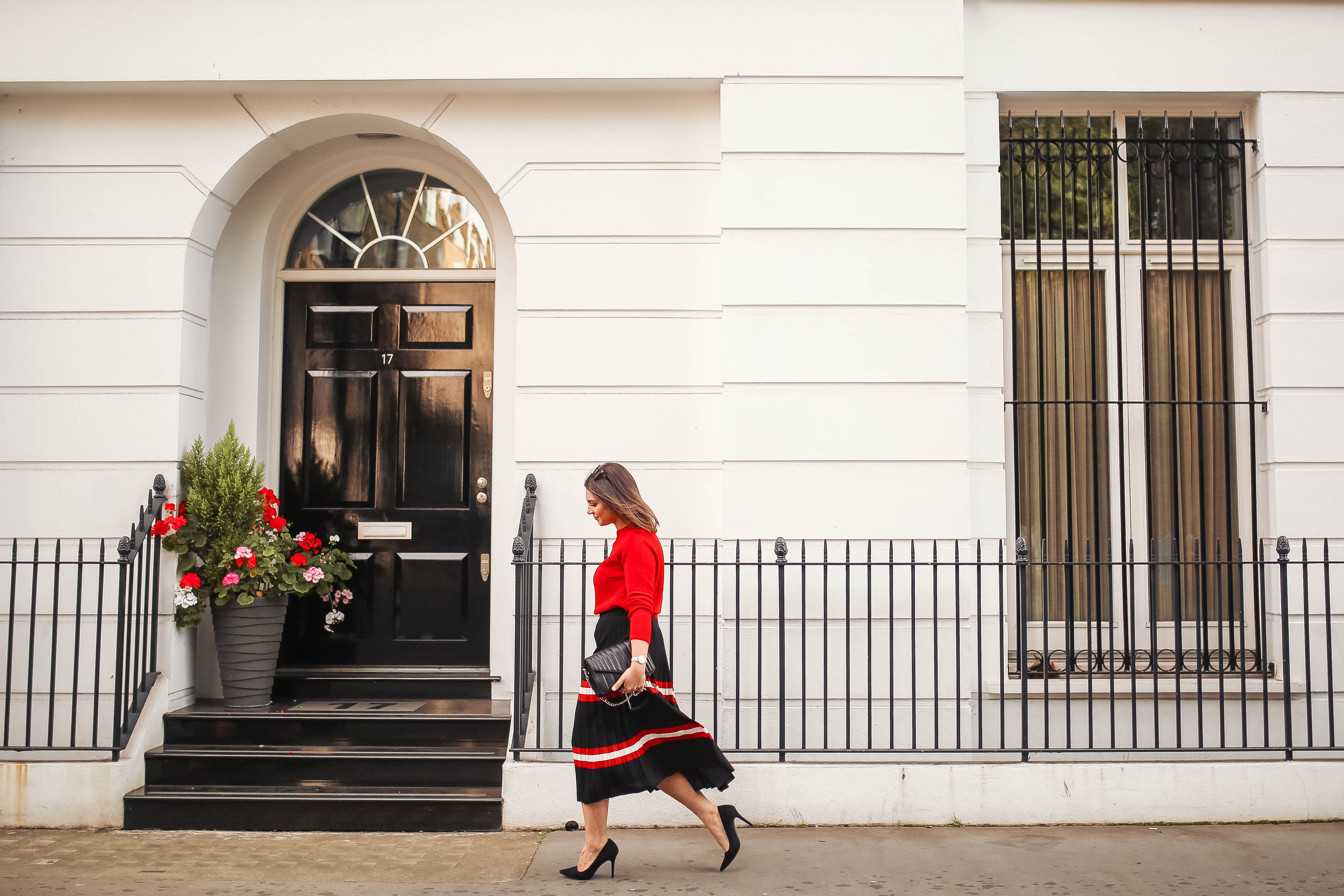 London blogger Note by Michelle wearing MANGO Stripes Pleated Skirt